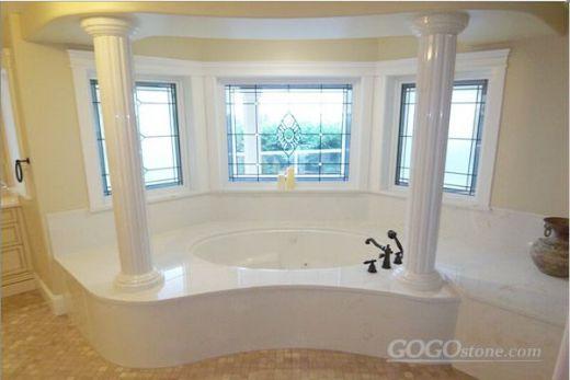 Beautiful Marble Bathtub with Pillar